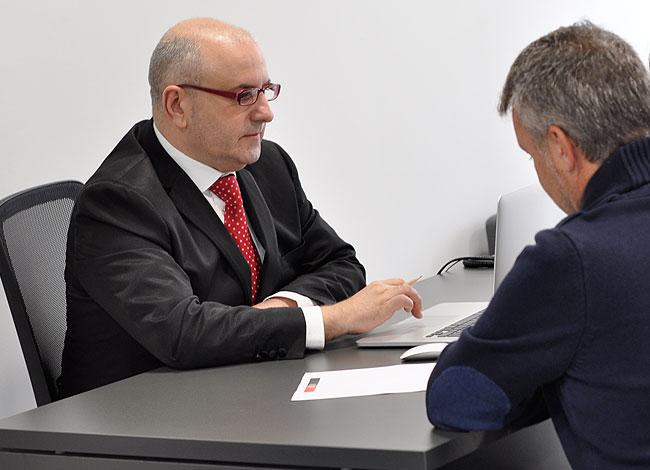 BR Consultors. Consultoria tributària, laboral i mercantil a Cambrils. Confidencialitat, integritat, honestedat i excel·lència. Més de 30 anys d'experiència.